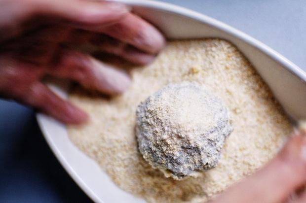 E poi nel pan grattato