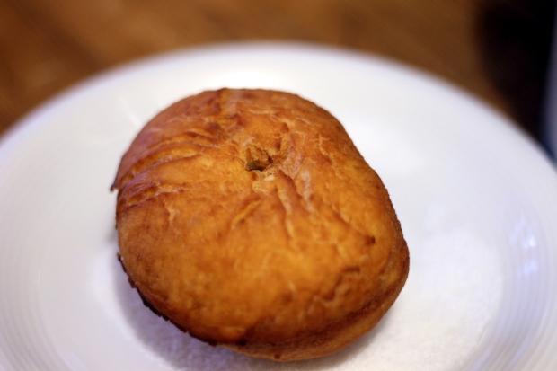 Krapfen fritto con pasticciera al mandarino