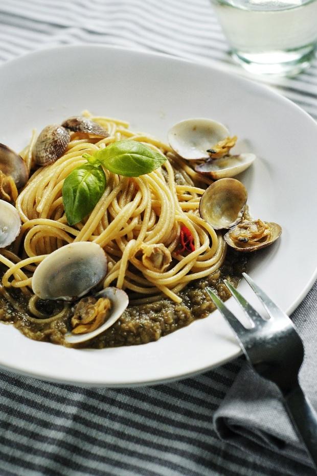 Spaghetti alle vongole con qualcosa in più