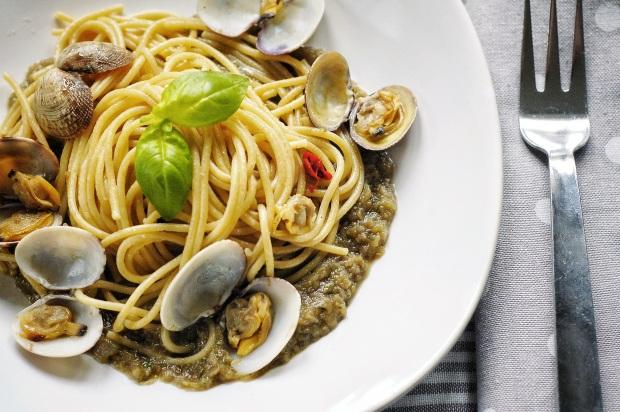 Spaghetti vongole con qualcosa in più